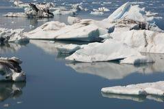 冰岛。东南区域。Jokulsarlon。冰山。 免版税库存图片