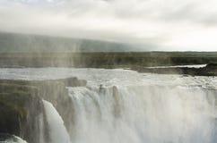 冰岛瀑布在夏天 免版税库存照片