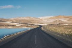 冰岛的山路从 库存照片