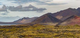 冰岛的火山的锥体 免版税库存照片