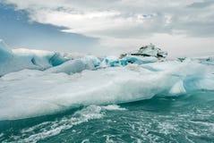 冰岛的美丽的冰川盐水湖 免版税图库摄影