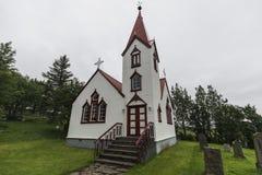 冰岛的老教会有红色屋顶的 免版税图库摄影
