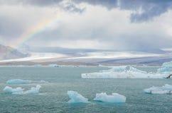 冰岛- 2014年9月- Jokulsarlon冰河盐水湖/冰川湖,冰岛 Jokulsarlon是东南部的一个大冰河湖 库存照片