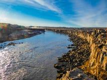 冰岛-河流程在一好日子 免版税图库摄影