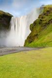 冰岛skÃ与摄影师的³ gafoss 免版税图库摄影