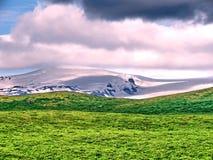 冰岛Skaftafell与山的国家公园风景2017年 图库摄影