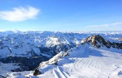 冰川–在3,000米的自由,滑雪胜地。 图库摄影