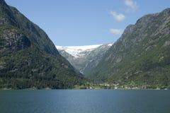 冰川和山 免版税库存图片