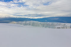 冰川在乞力马扎罗山,坦桑尼亚顶部 免版税库存照片