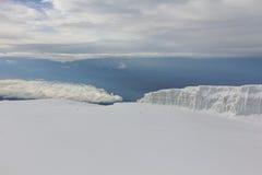 冰川在乞力马扎罗山,坦桑尼亚顶部 免版税图库摄影