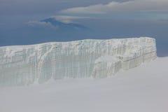 冰川在乞力马扎罗山,坦桑尼亚顶部 库存图片