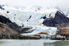 冰川在塞罗Torre, El Chalten,阿根廷 图库摄影