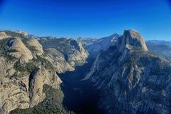 冰川点在优胜美地全国P俯视看法和半圆顶 库存图片