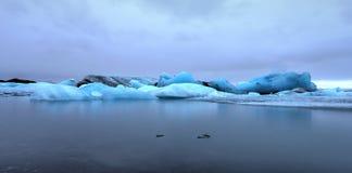 冰川盐水湖, Jokulsarlon,冰岛 免版税库存图片