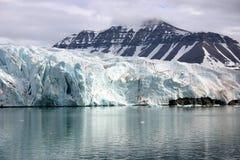 冰川,斯瓦尔巴特群岛挪威 库存图片