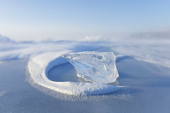 冰川 贝加尔湖湖 森林本质星期日冬天 免版税库存图片