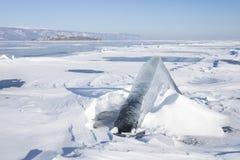 冰川 33c 1月横向俄国温度ural冬天 贝加尔湖湖 图库摄影