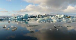 冰川jokulsarlon盐水湖 免版税库存照片