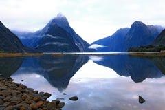 冰川milford新的合理的西兰 图库摄影