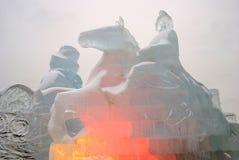 冰形象在莫斯科 古铜色御马者雕塑模型 免版税库存照片