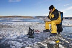 冰捕鱼 免版税库存图片