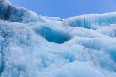 冰河蓝色冰 免版税库存照片