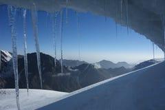 冰洞穴 图库摄影
