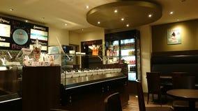 冰淇凌和joghurt酒吧在DÃ ¼ sseldorf 免版税库存图片