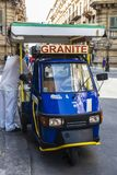 冰淇凌摊贩销售在巴勒莫,西西里岛,意大利 免版税图库摄影