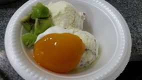 冰淇凌用枣 免版税库存图片
