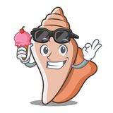 冰淇凌逗人喜爱的壳字符动画片 免版税库存照片