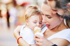 冰淇凌婴孩 免版税图库摄影