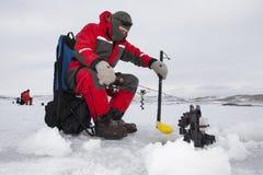 冰渔夫 库存图片