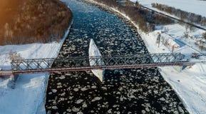 冰漂泊航测  鸟` s眼睛视图 库存图片