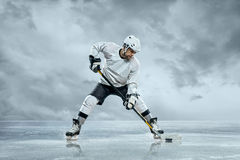 冰球球员 免版税库存图片