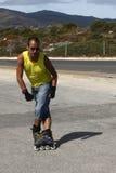 滑冰的人线型打破 免版税库存图片