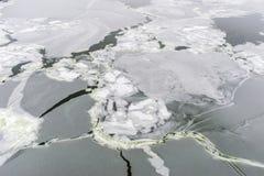 冰的抽象在冻河 免版税图库摄影