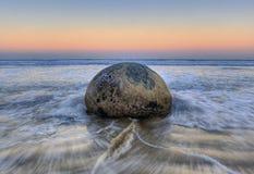 冰砾海岸moeraki新的和平的西兰 库存图片