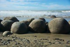 冰砾海岸moeraki新的和平的西兰 免版税库存图片