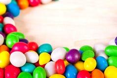 冰糖背景五颜六色的甜点  免版税库存图片
