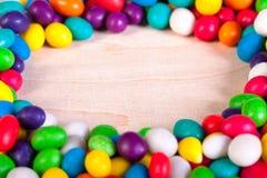 冰糖背景五颜六色的甜点  免版税库存照片