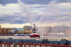 破冰船节日在涅瓦河的 图库摄影