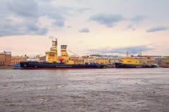 破冰船节日在涅瓦河的 免版税库存照片