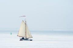 冰荷兰航行 免版税库存照片