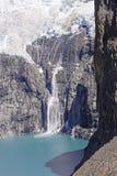 冰崩到一个冰河湖里 免版税图库摄影