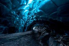 冰洞在冰岛 免版税图库摄影