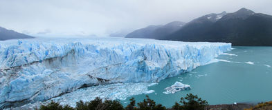 冰glaciar佩里托莫雷诺 免版税库存图片
