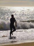 冲浪在巴塞罗那 免版税库存图片