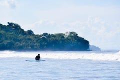 冲浪的哥斯达黎加 免版税库存图片