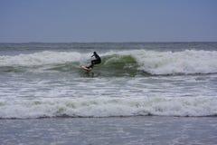 冲浪的托菲诺,BC考克斯海湾的 免版税库存照片